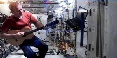 La verdadera Space Oddity en una Estación Espacial