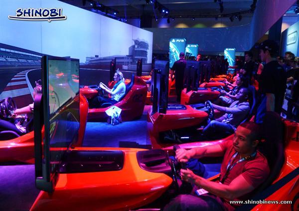 E32013-Sony-Booth-01 (E)