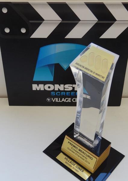 village-monster-screen-premio-mercurio01