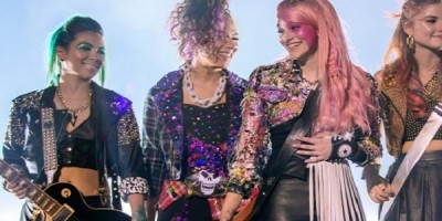 Publican trailer de la película de Jem and the Holograms