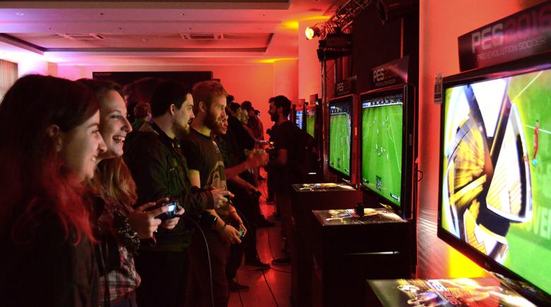 Konami RoadShow 2015 - 02